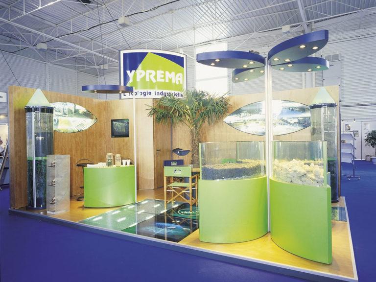 Création de vitrines en verre bombé pour exposer des matériaux recyclés : mâchefers, gravats de démolition. / Secteur Environnement / Entreprise YPREMA