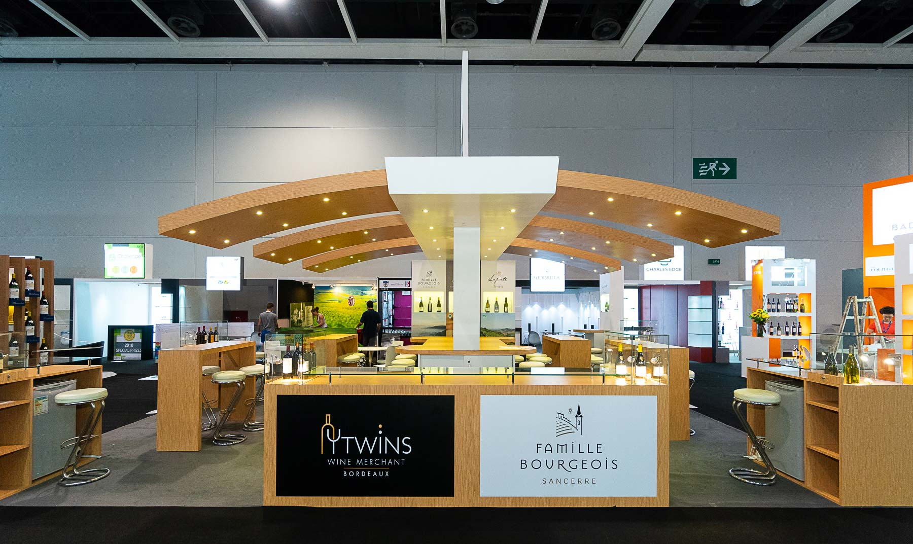Conception du stand Famille Bourgeois et Twins pour le salon Vinexpo de Hong Kong